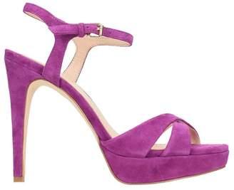 Bibi Lou Plateau Fucsia Suede Sandals