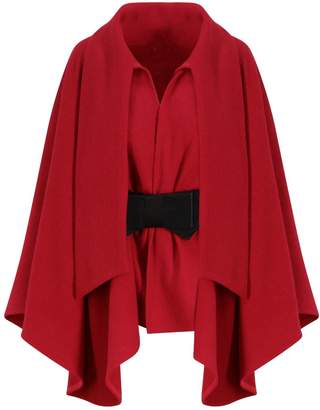 Co Zalinah White - Alyona Wool Manteau Cape Coat Ord In Classic Red With Belt
