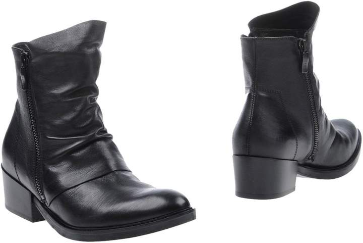 Janet & Janet Ankle boots - Item 11049536