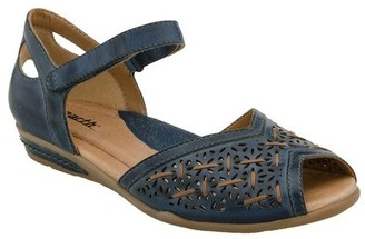 Women's Earth Pangea Mary Jane $99.99 thestylecure.com