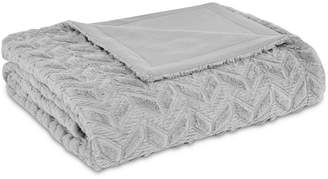 Intelligent Design Laila Oversized Reversible Faux-Fur Chevron Quilted Full/Queen Plush Blanket Bedding