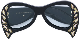 inverted cat eye glasses