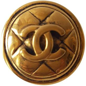 Chanel Matelassé pin & brooche
