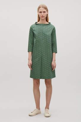 Cos RAISED-COLLAR PRINTED DRESS