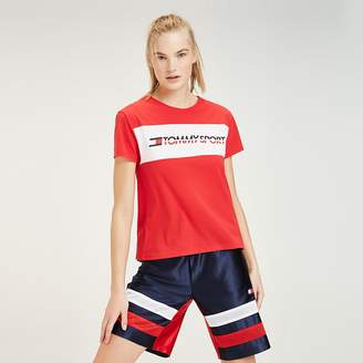111a1670 Tommy Hilfiger Logo T-shirts - ShopStyle UK