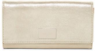 Fossil Dawson Leather Flip Clutch Wallet $80 thestylecure.com