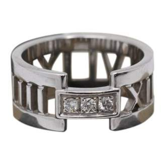 Tiffany & Co. Atlas white gold ring