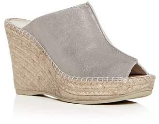 0a0a4dca17a8 Andre Assous Women s Cici Platform Wedge Espadrille Slide Sandals