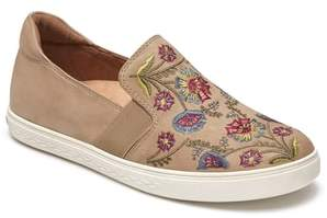 Rockport Cobb Hill Cobb Hill Flower Embroidered Slip-On Sneaker
