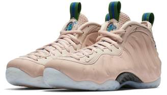 Nike Foamposite One Sneaker
