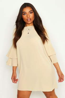 boohoo Plus Volume Sleeve Woven Shift Dress