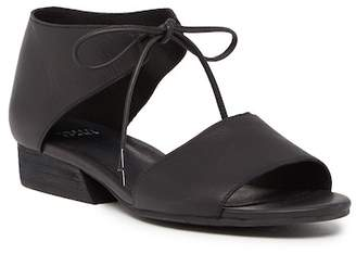 Eileen Fisher Ely Leather Sandal