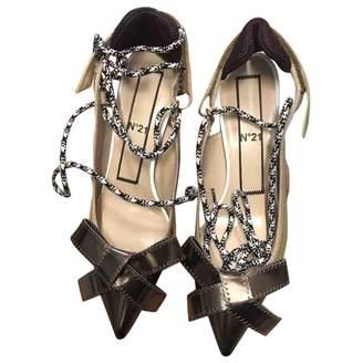 N°21 Leather Heels