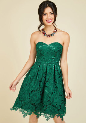 Liza Luxe Collection Lasting Expression Lace Dress in Forest $129.99 thestylecure.com