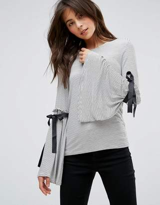 Only Ruffle Sleeve Top