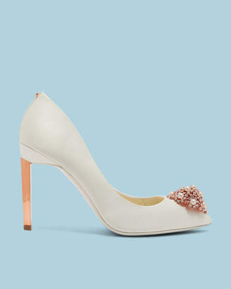Ted Baker PEETCH2 Brooch detail court shoes