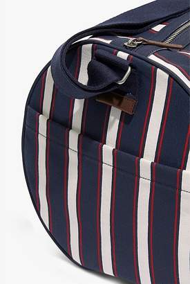 Country Road Organic Vertical Duffle