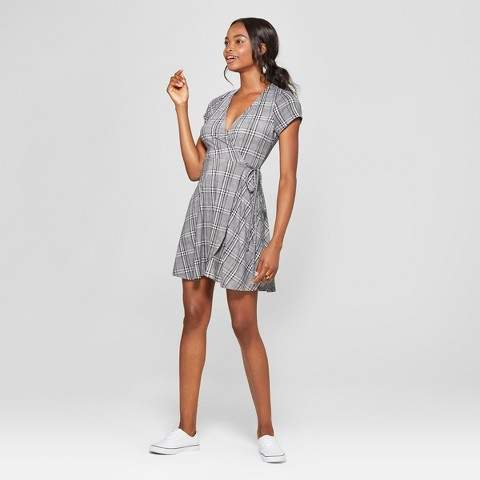 Lots of Love by Speechless Women's Plaid Wrap Dress - Lots of Love by Speechless (Juniors') Gray