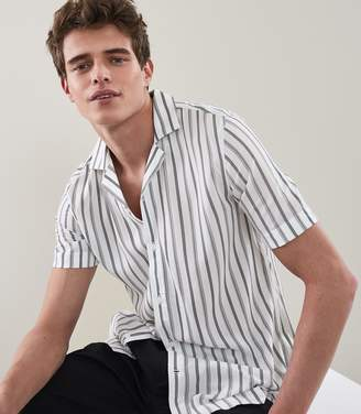 Reiss HANSEL STRIPED CUBAN COLLAR SHIRT White