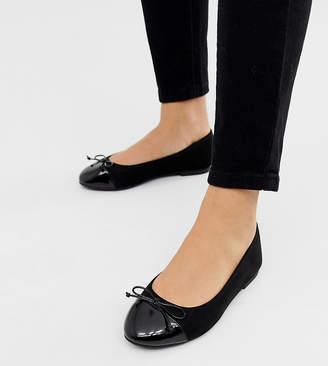 Asos Design DESIGN Wide Fit Larva toe cap ballet flats