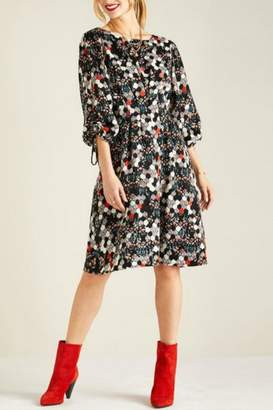 Yumi Hexagonal Floral Dress