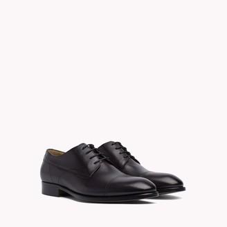 Tommy Hilfiger Classic Leather Dress Shoe