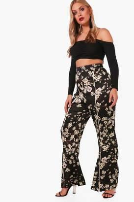 boohoo Plus Oriental Sateen Slim Flare Trouser
