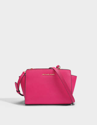 MICHAEL Michael Kors Selma Medium Messenger Bag in Ultra Pink Saffia Leather