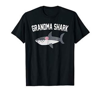 Grandma Shark Family Matching Gift T-Shirt