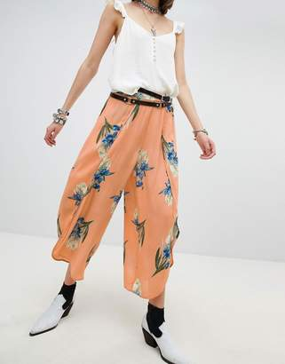 En Creme En Crme Wrap Front Wide Leg Pants In Romantic Floral Two-Piece