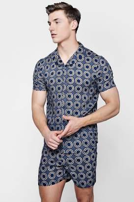 boohoo Circle Print Revere Short Sleeve Shirt