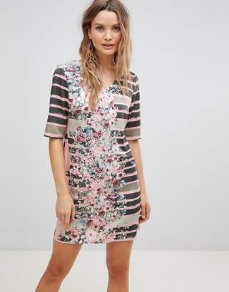 Lavand Linear Shift Dress With Floral Print