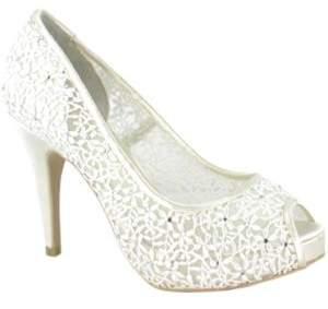 Menbur Halti Guipur Bridal Pumps $169.95 thestylecure.com