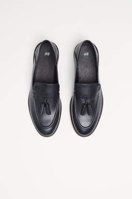 73c5ed75e75 H M Leather Loafers with Tassels - Black