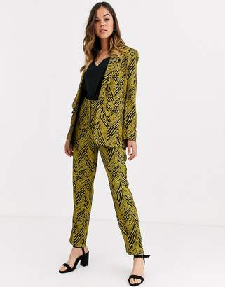 Liquorish suit pants two-piece in gold and black abstract print