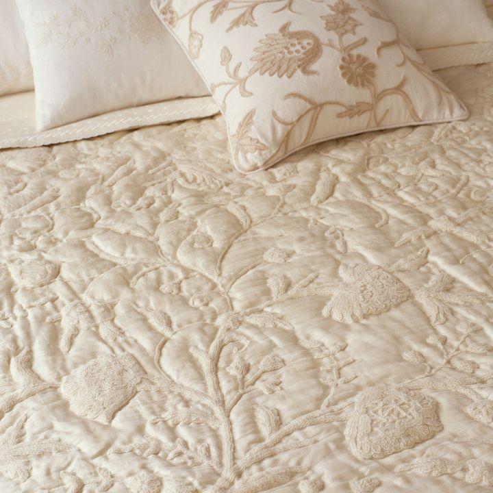 Ethan Allen Crewel silk creme quilt