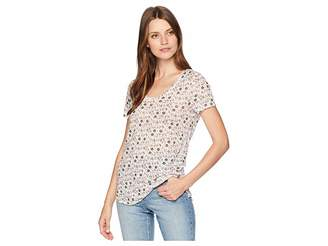 Vince Camuto Short Sleeve Whimsical Ditsy Printed Scoop Neck Tee