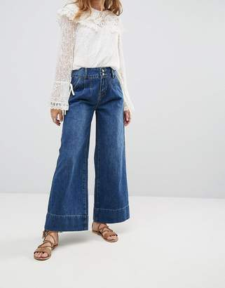 Moon River Wide Leg Jeans