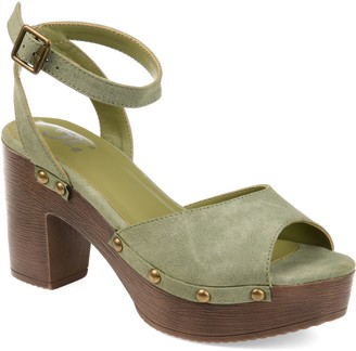 Journee Collection Lorica Women's Platform Clogs