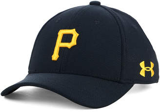 Under Armour Boys' Pittsburgh Pirates Adjustable Blitzing Cap