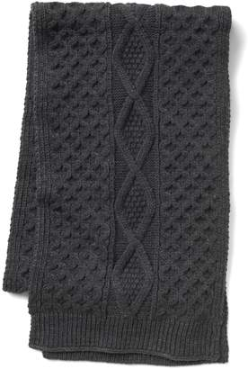 Gap Cable-knit scarf