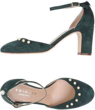 Twin-Set Pumps