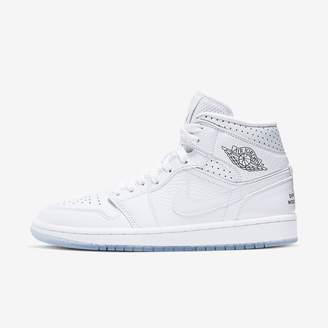 Nike Women's Basketball Shoe Air Jordan 1 Mid Unite Totale