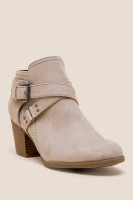 Indigo Rd Sablena Solid Ankle Boot - Beige