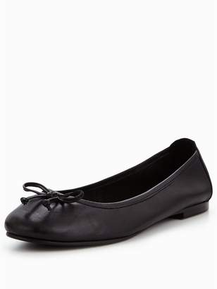 Very Leah Leather Bow Detail Flat Ballerina Shoe - Black