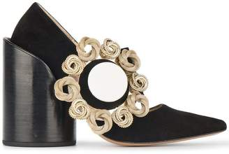 Les Chaussures Gros Bouton Pumps