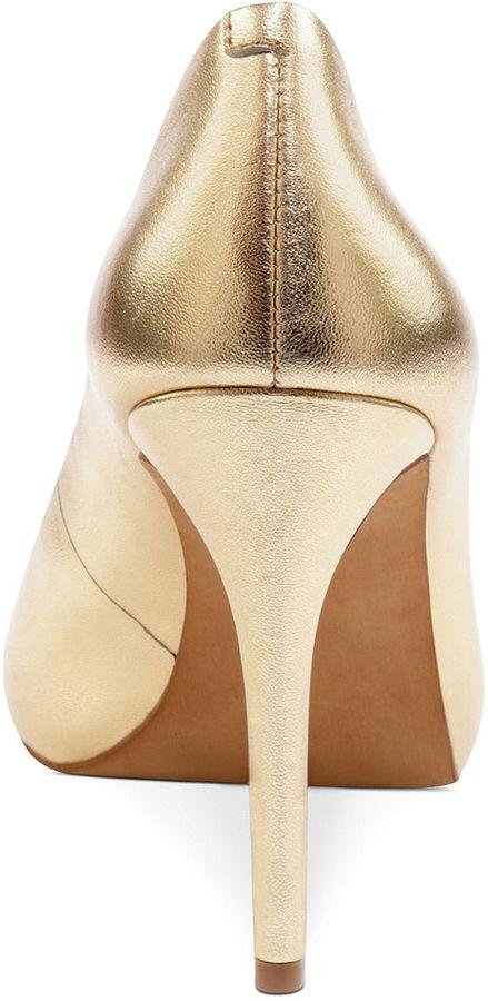 Jessica Simpson Shoes, Saras Platform Pumps