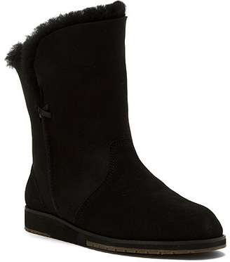 emu Women's Bells Beach Lo $179.95 thestylecure.com