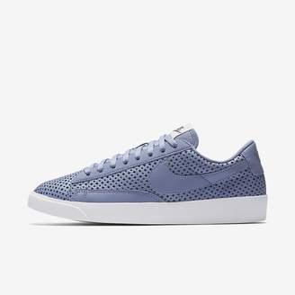 Nike Blazer Low SE Women's Shoe