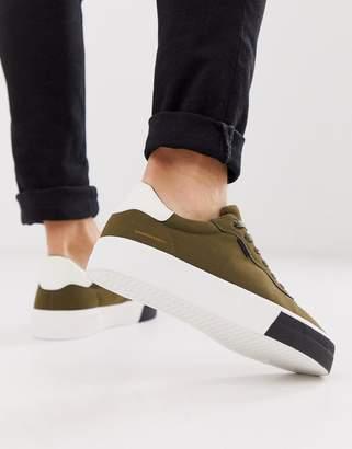 Bershka chunky sole sneaker in khaki